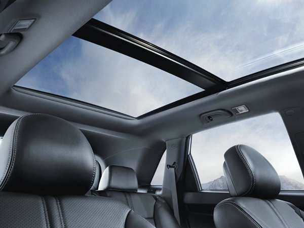 orento_2015_panoramic-sunroof-